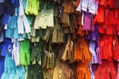 Vetoketjuja kaikissa väreissä ja pituuksissa